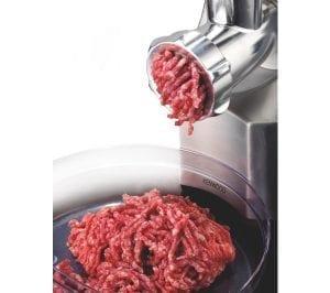 daging digiling dengan mesin maksindo